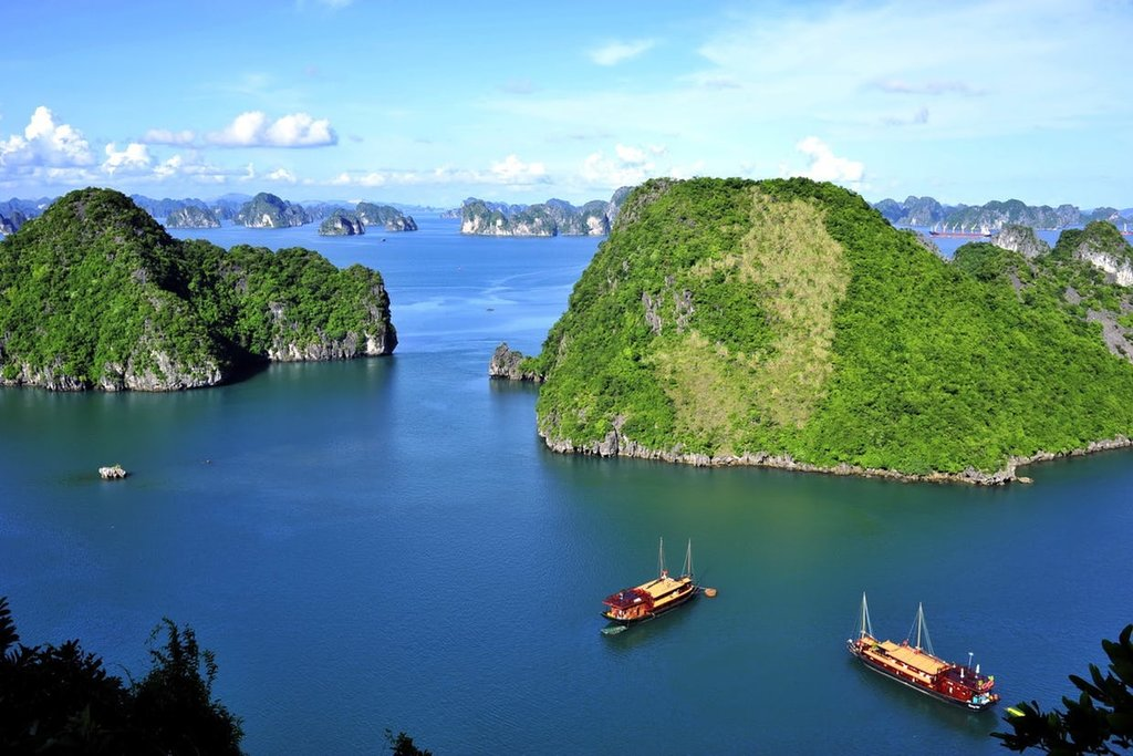 HA NOI – HA LONG BAY (3Days/ 2 Nights)
